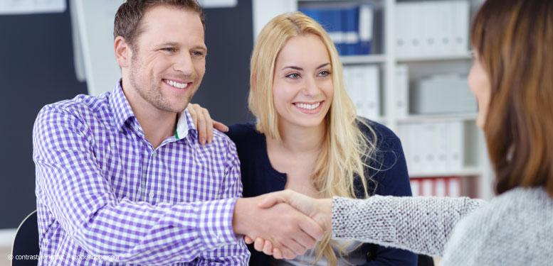 Vertragsunterschrift Bauvertrag Hausbau – Schritt für Schritt zur Wunschimmobilie