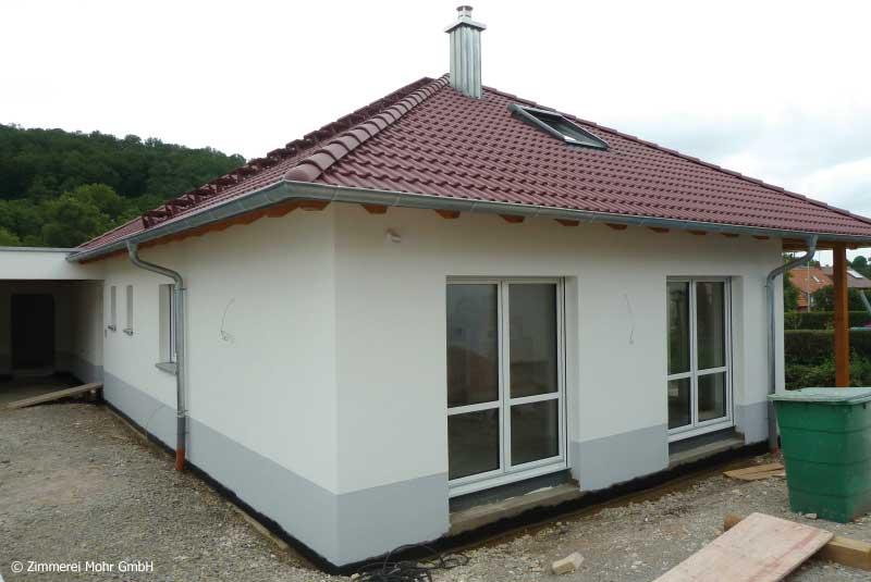 Bungalow SQUARE – Neubau Holzhaus Walmdach in Ansbach