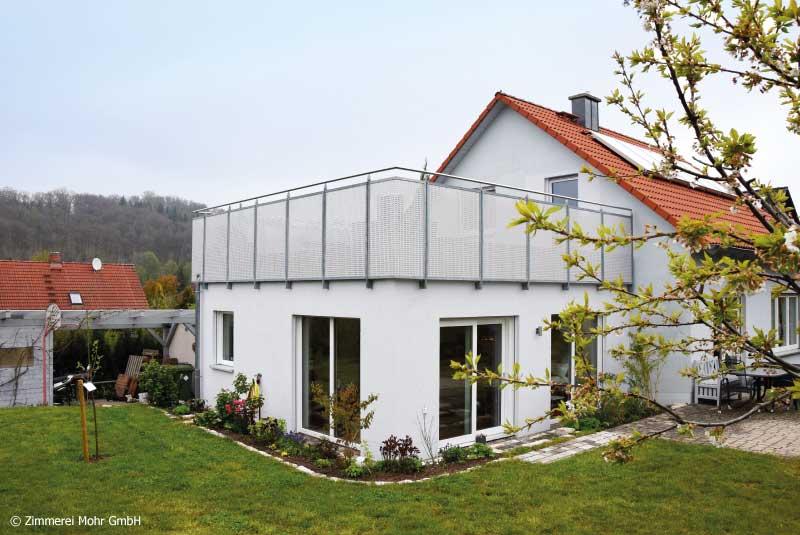Wohnhauserweiterung mit einem Anbau für Praxisräume