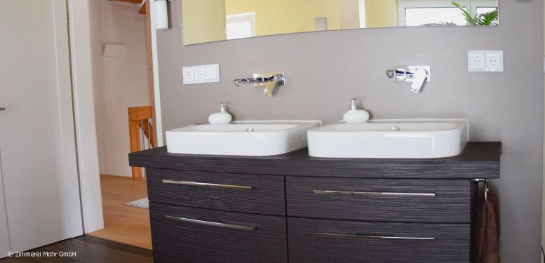 Homestory Reiheneckhaus TOWNHOUSE – Großes Badezimmer